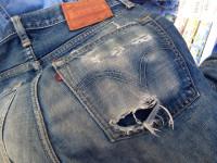リーバイスジーンズ 後ろポケット修理前
