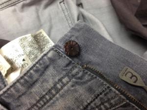ボタン修理2